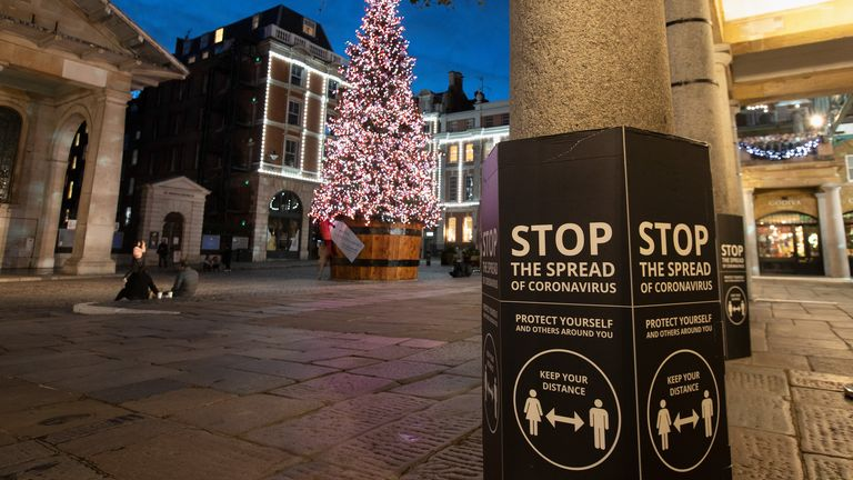 LONDON - NOVEMBER 10: A view of The Christmas Tree Lit up in Covent Garden during the second Coronavirus Lockdown on November 10, 2020 in London, England. (Photo by Jo Hale/Getty Images)
