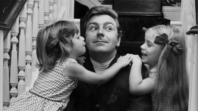 O'Connor with daughters Samantha and Tracy in the 1960d