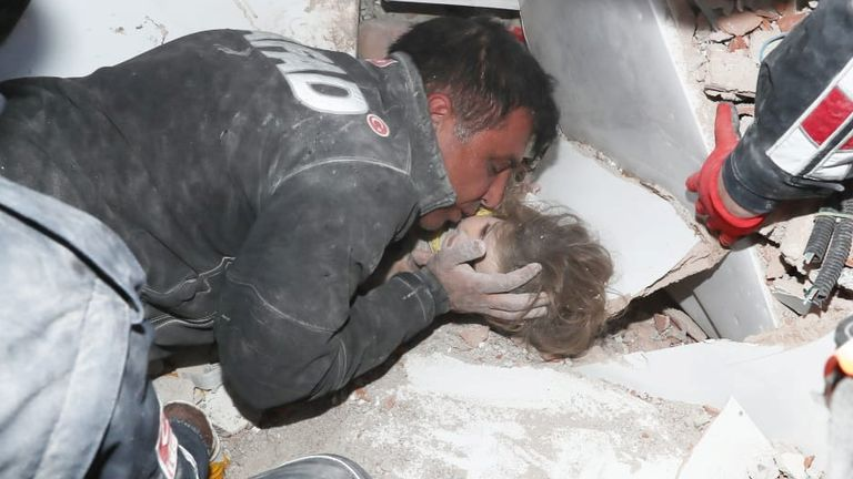 Rescue workers pull a 4-year-old girl, Ayda Gezgin, from the rubble of a collapsed building after an earthquake in the Aegean port city of Izmir, Turkey November 3, 2020. Turkey's Disaster and Emergency Management Presidency (AFAD)/Handout via REUTERS ATTENTION EDITORS - THIS PICTURE WAS PROVIDED BY A THIRD PARTY. NO RESALES. NO ARCHIVE.