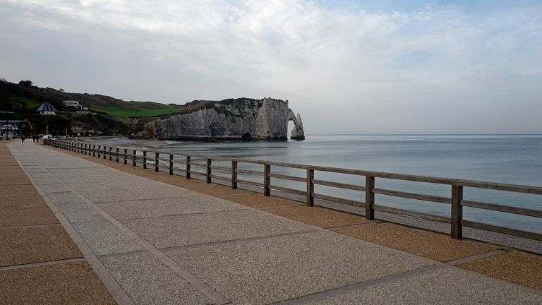 ETRETAT, FRANCE - NOVEMBER 07: A view of the empty boardwalk on November 07, 2020 in Etretat, France. As Europe revisits surging COVID-19 infection rates similar to the first wave, countries tighten restrictions with new lockdowns. Governments have been left scrambling to save small businesses from bankruptcy. (Photo by Aurelien Meunier/Getty Images)