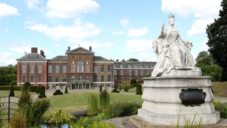 Kensington Palace staff are understood to have potentially helped the duchess write the letter to her father that had parts of it leaked (Pic: Chris Jackson/Getty Images)