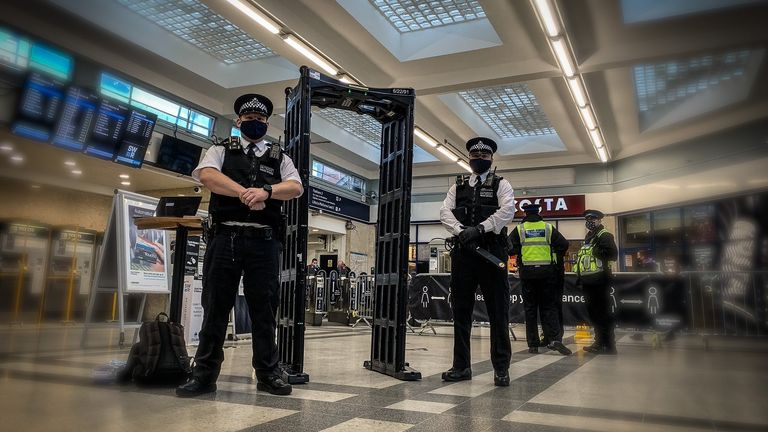 Met police and British Transport Police set up knife detection arches at transport hubs