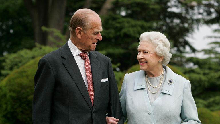 ملکه و پرنس فیلیپ برای دومین قفل ملی ملی انگلیس متحد می شوند