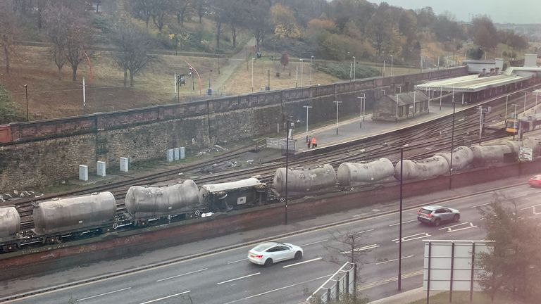 Derailed train in Sheffield. Pic: @tuxford7