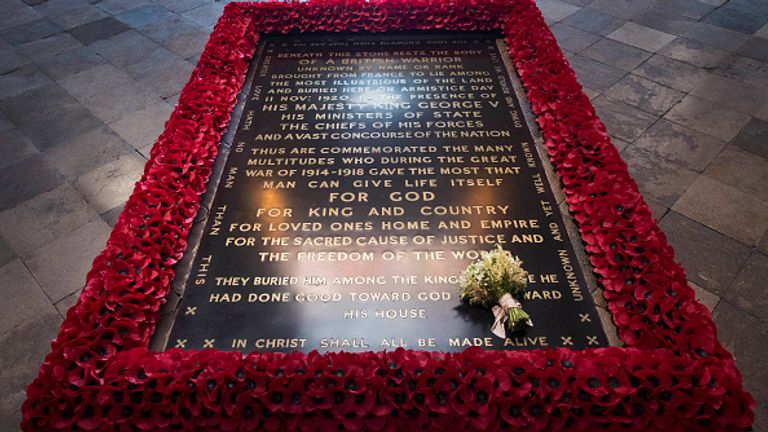 The Duchess of Sussex's Wedding Bouquet Rests On The Grave of The Unknown Warrior LONDON, ENGLAND - MAY 20: The Duchess of Sussex's wedding bouquet is laid on the grave of the Unknown Warrior in the west nave of Westminster Abbey on May 20, 2018 in London, England, London. The resting place holds the remains of a First World War soldier who has come to symbolise the nation's war dead. (Photo by Victoria Jones - WPA Pool/Getty Images)