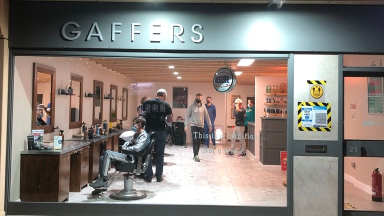 Gaffers Hairdressers is extending opening hours until 10pm for its last night open