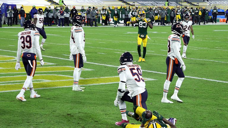 Adams' 500th career reception is a leaping touchdown grab against the Bears