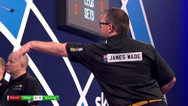 James Wade lands nine darts before crashing into Stephen Bunting at the World Darts Championship |  Darts News