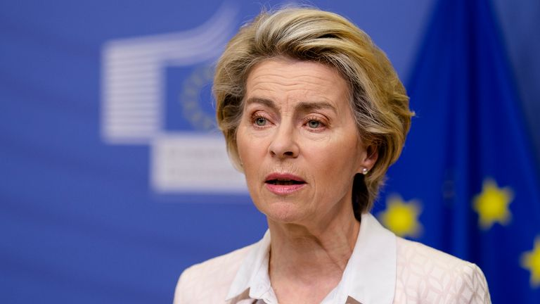 BRUSSELS, BELGIUM - DECEMBER 05: EU Commission President Ursula von der Leyen delivers a statement on the ongoing Brexit negotiations on December 5, 2020 in Brussels, Belgium. Current trading rules between the United Kingdom and the European Union expire December 31, the end of a transition period following the UK departure from the group in January of this year. (Photo by Thierry Monasse/Getty Images)