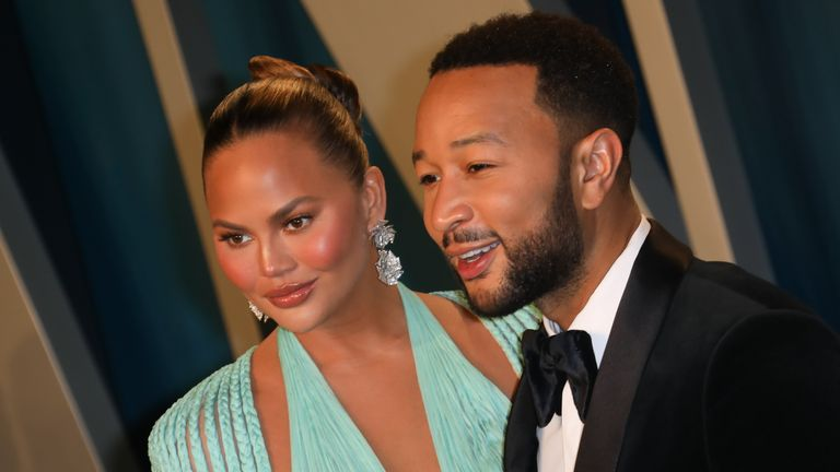 BEVERLY HILLS, CALIFORNIA - FEBRUARY 09: Chrissy Teigen and John Legend attend the 2020 Vanity Fair Oscar Party at Wallis Annenberg Center for the Performing Arts on February 09, 2020 in Beverly Hills, California. (Photo by Toni Anne Barson/WireImage)