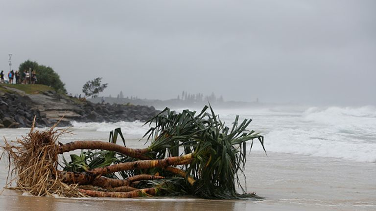 Byron Bay's beaches face further erosion as wild weather lashes the northern NSW coast