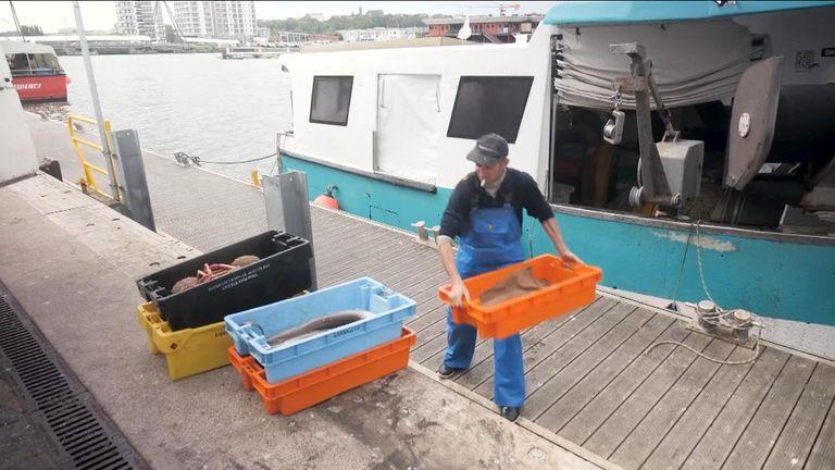 Fishing industry / fisherman.