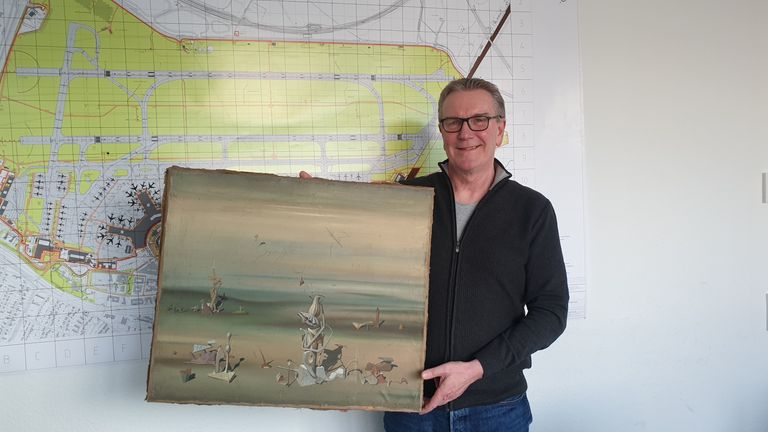 German police managed to save a surreal painting from destruction after finding the missing artwork at the bottom of a recycling bin at Düsseldorf Airport, the international airport of Düsseldorf (capital of the German state of North Rhine-Westphalia).