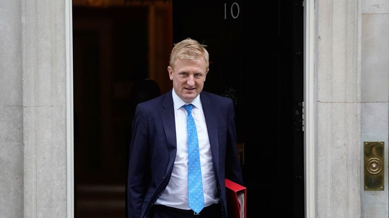 Britain's Culture Secretary Oliver Dowden leaves from 10 Downing Street in central London on October 7, 2020,. - Britain has suffered the worst death toll in Europe from the novel coronavirus COVID-19 outbreak, with more than 42,000 confirmed deaths. (Photo by Niklas HALLE'N / AFP) (Photo by NIKLAS HALLE'N/AFP via Getty Images)