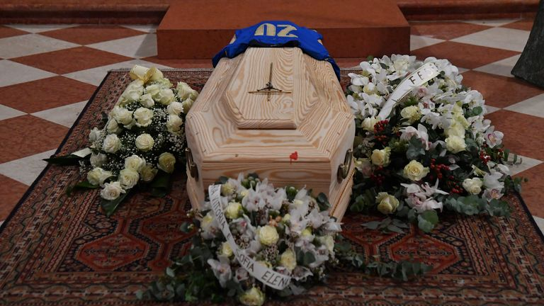 The funeral for former Italy player Paolo Rossi took place in Vicenza Cathedral