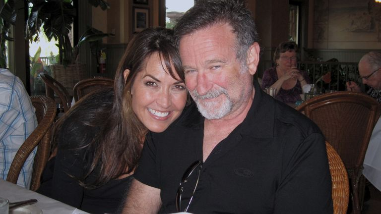 Robin'sWish tells the powerful true story of actor/comedian Robin Williams' final days. For the first time, Robin's fight against a deadly neurodegenerative disorder,known as Lewy Body Dementia, is shown in stunning detail