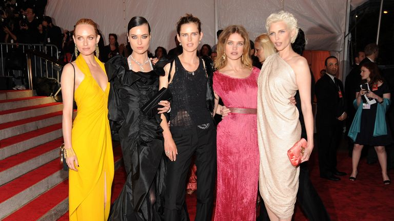 "Models Amber Valletta, Shalom Harlow, Stella Tennant, Natalia Vodianova and Nadja Auermann attend ""The Model as Muse: Embodying Fashion"" Costume Institute Gala at The Metropolitan Museum of Art on May 4, 2009 in New York"