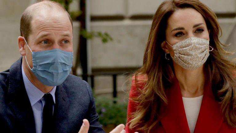Герцог и герцогиня Кембриджские поблагодарят героев британского коронавируса за тур