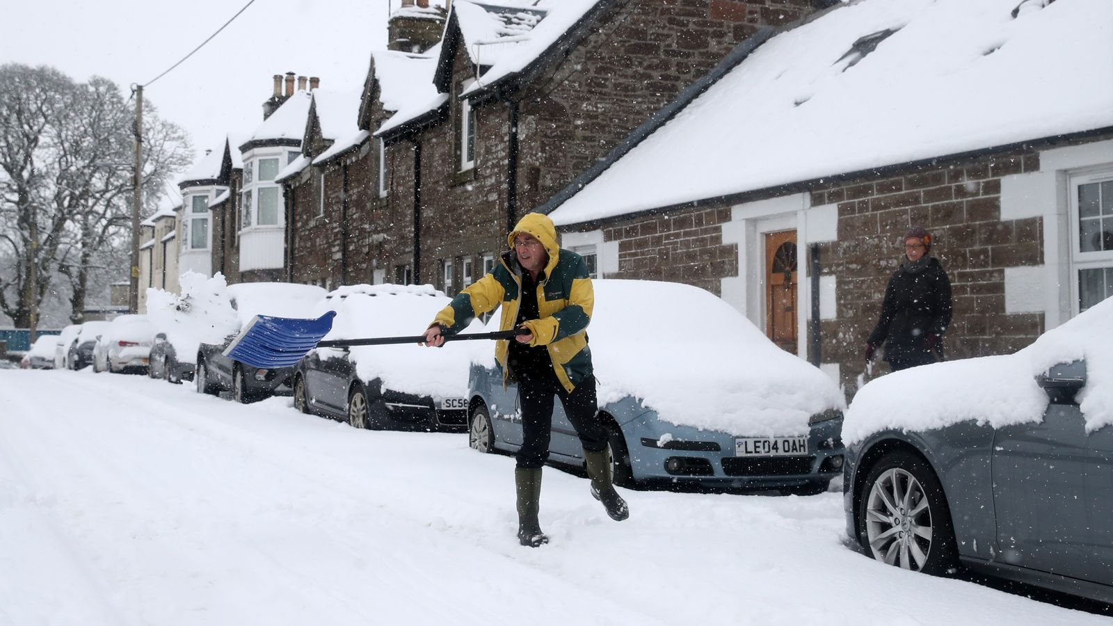 skynews-snow-uk-scotland_5238299.jpg?202