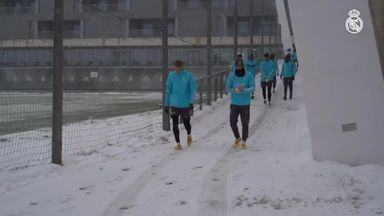 Real Madrid players enjoy snowball fight
