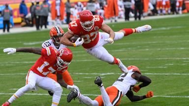 Kelce leaps over defence for TD