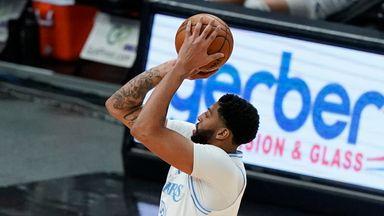 Davis explodes for 37 at Bulls