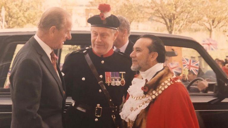 Adbul Karim Sheikh greets Prince Philip