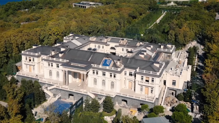 Screengrab of the Putin Palace on the Black sea. Pic: YouTube/Alexei Navalny