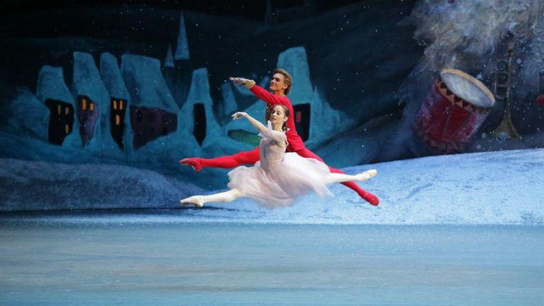 Denis Rodkin and Anna Nikulina. Pic: Bolshoi theatre, Damir Yusupov