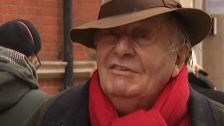 Barry Humphries receives COVID-19 vaccine and jokes about it afterwards