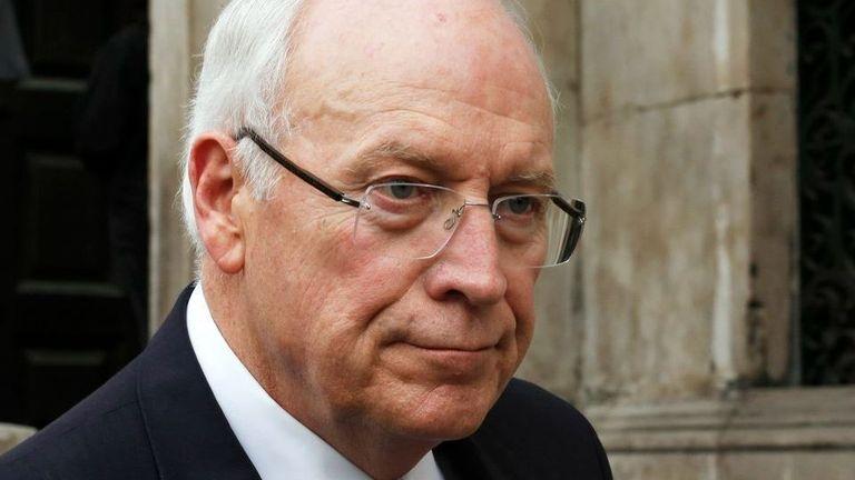 Mantan menteri pertahanan Dick Cheney adalah salah satu dari 10 politisi yang menandatangani surat itu