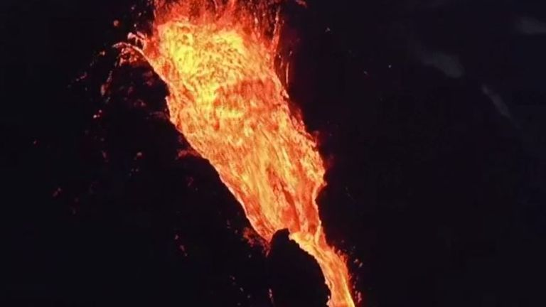 Kilauea erupts in spectacular style