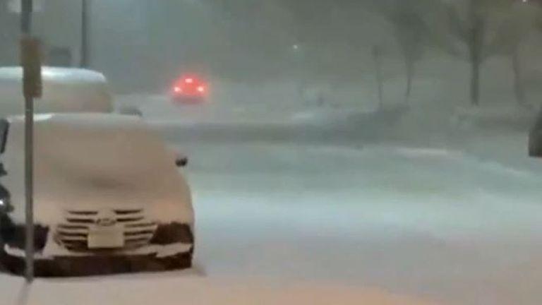Heavy snow blankets Iowa