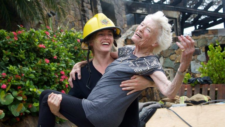 Kate Winslet and Eve Branson later reenacted the 'rescue'. Pic: Virgin