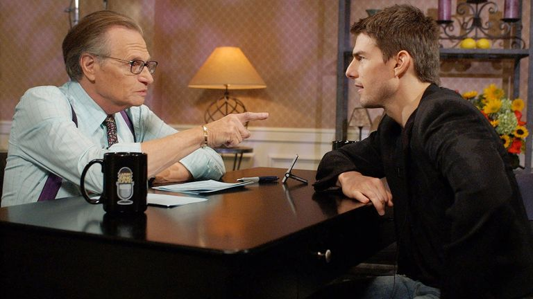 "Actor Tom Cruise (R) chats with Larry King during a taping of CNN's ""Larry King Live"" in Beverly Hills November 29, 2001. The interview is scheduled to air December 9 while Cruise's next film ""Vanilla Sky"" opens on December 14. PHOTO TAKEN NOVEMBER 29 REUTERS/Pool/Chris Pizzello CP"