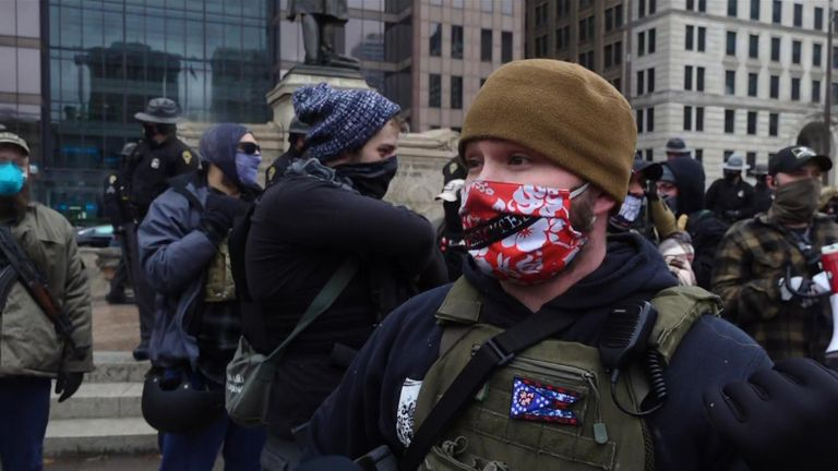 Armed militia leader: We don't want any violence