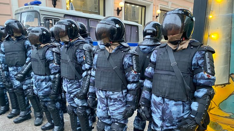 Police responded to protests following Navalny's arrest