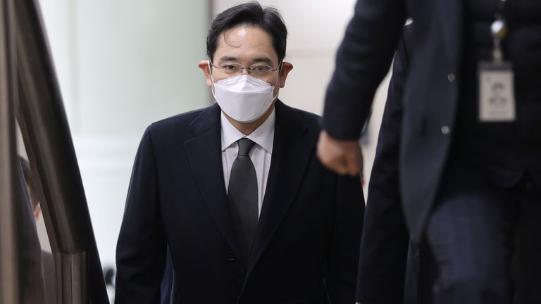 Samsung Group heir Jay Y. Lee arrives at a court in Seoul, South Korea, January 18, 2021. Yonhap via REUTERS
