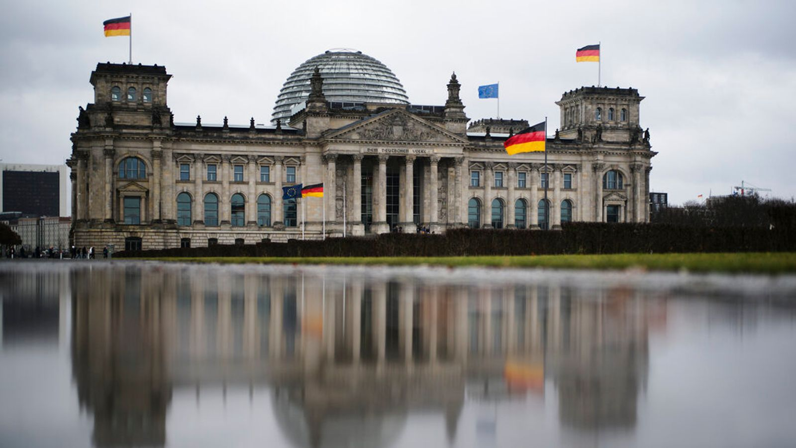 German man charged with spying after 'passing parliament floor plans to Russia'