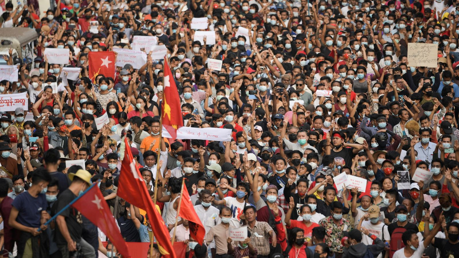 Myanmar: Thousands take to the streets of Yangon to ...