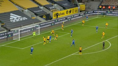 What a chance for Vardy! (90+2)