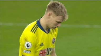 Ramsdale saves from Salah (30)