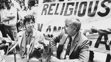Pic: AP  Jazz pianist Chick Corea, left, a member of the Church of Scientology, tells a Portland, Ore., news conference he supports his church's protest of a $39 million fraud judgment awarded a former church member, May 20, 1985. The Rev. Heber Jentzsch, president of the Church of Scientology International, is at right. (AP Photo/Don Ryan)