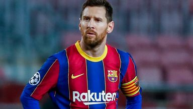 'Barcelona must sell players to keep Messi'