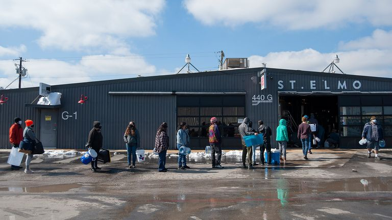 Queuing for free drinking water at a brewery in Austin, Texas. Pic: AP
