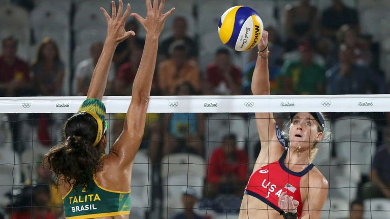 2016 Rio Olympics - Beach Volleyball - Women's Bronze Medal Match - Brazil v USA - Beach Volleyball Arena - Rio de Janeiro, Brazil - 17/08/2016.