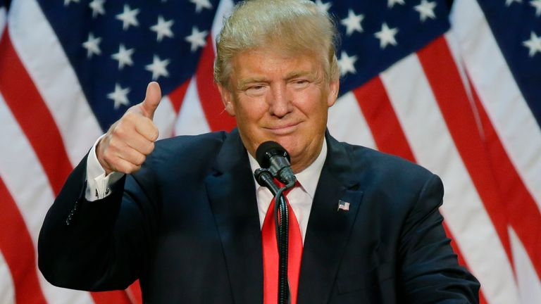 , [:en]Donald Trump is making his first public look since leaving the White Home – and 'has scores to settle'   US Information[:], Laban Juan