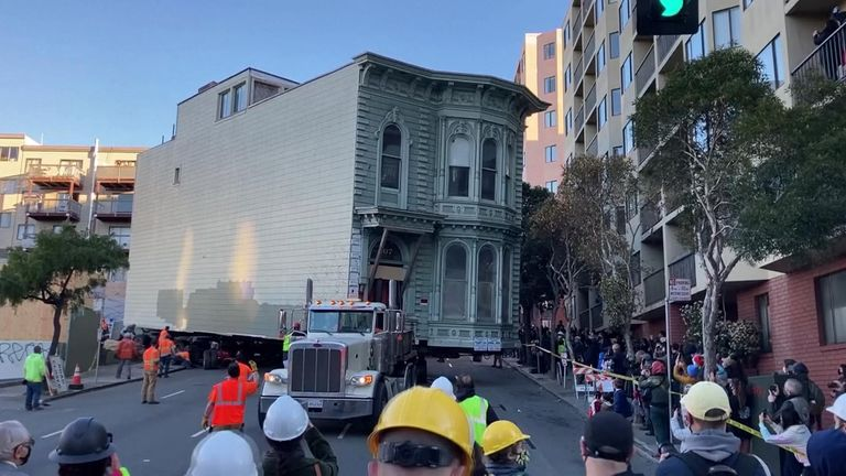 A 139-year-old San Francisco house is moved by engineers