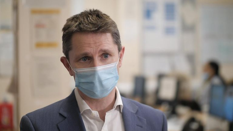 Dr Derek Tracy