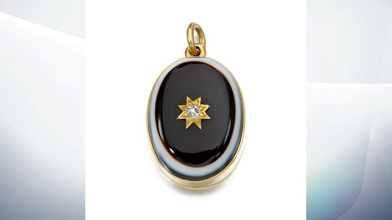 Banded agate and diamond locket, circa 1861 (est. £1,000-1,500). Pic: Sotheby's